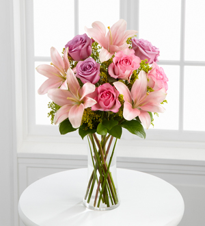 The FTD� Farewell Too Soon� Bouquet