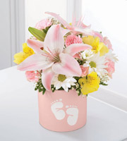 The FTD� Sweet Dreams� Bouquet - Girl
