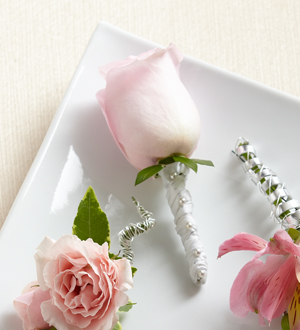 The FTD� Pink Rose Boutonniere