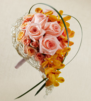 The FTD� Peach Waterfall� Bouquet