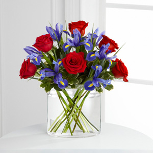 The FTD� So In Love� Bouquet
